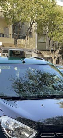 Firma de taxi cedencia de cotas