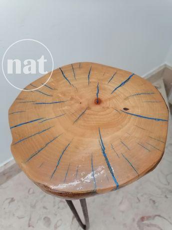 Banco decorativo em madeira