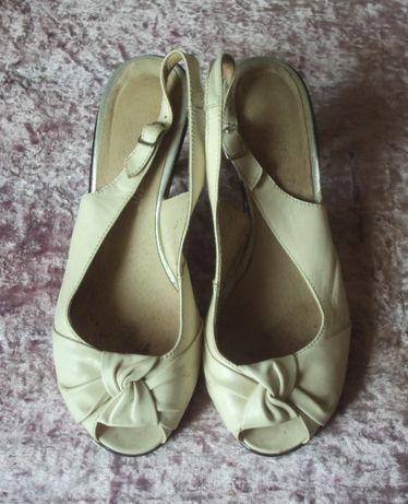 Босоножки туфли светло-бежевые 39 размер