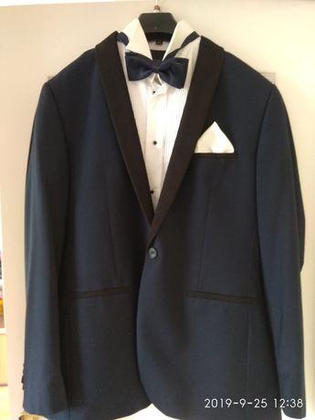 Granatowy garnitur bardzo elegancki/ weselny