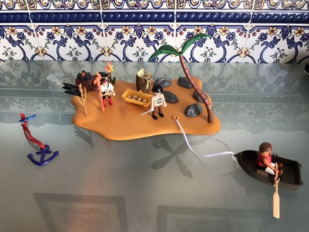 Colecao Playmobil Piratas + Ilha Tesouro Praia + Barco e Arvore