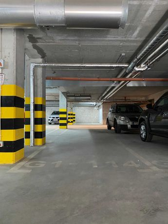 Miejsca (1 lub 2) w hali garażowej, Hawelańska 6 F-H. Faktura VAT