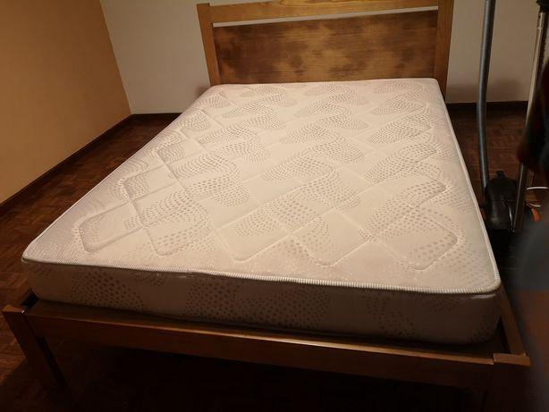 Conjunto cama de casal c/ 2 mesinhas de cabeceira sem colchão