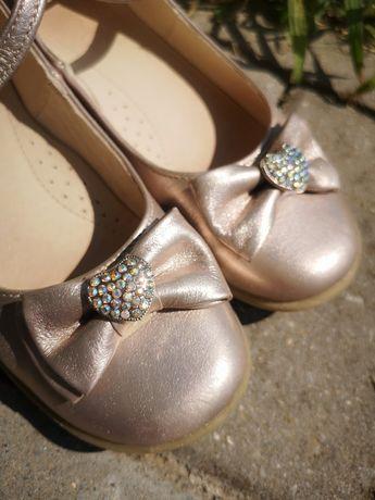 Buty, pantofle, sandały dziecke dziewczęce
