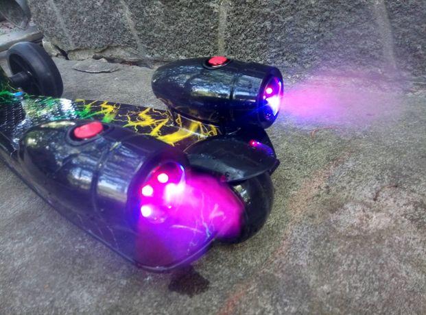 Распродажа !Трехколесный самокат ракета с турбинами ,дым,музыка.