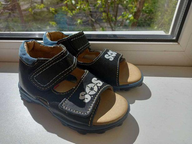 Дитяче взуття, сандалі 26 розмір
