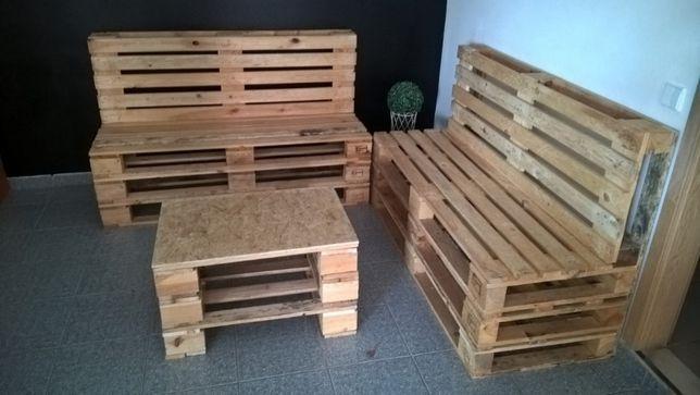 Vende se paletes ou sofas, bancos feitos de paletes
