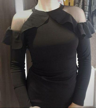 Шикарное маленькое, чёрное платье