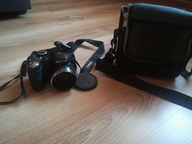 Sprzedam Aparat cyfrowy Fujifilm z etui