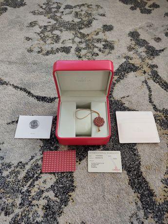 Omega caixa com documentos