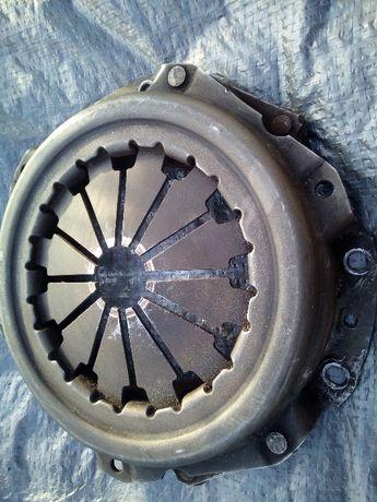 сцепление таврия корзина и диск в хорошем сотоянии