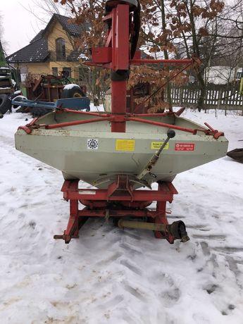 Rozsiewacz do nawozów i poplonów Rauch , Kuhn 800 litrów
