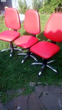 Стулья мастера,салона, кресла.