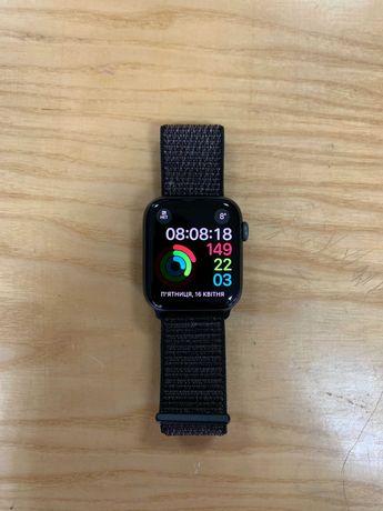 Apple Watch Series 4 44mm Space Gray Sport Loop