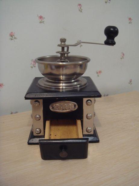 Мельничка для кофе ручная металлическая