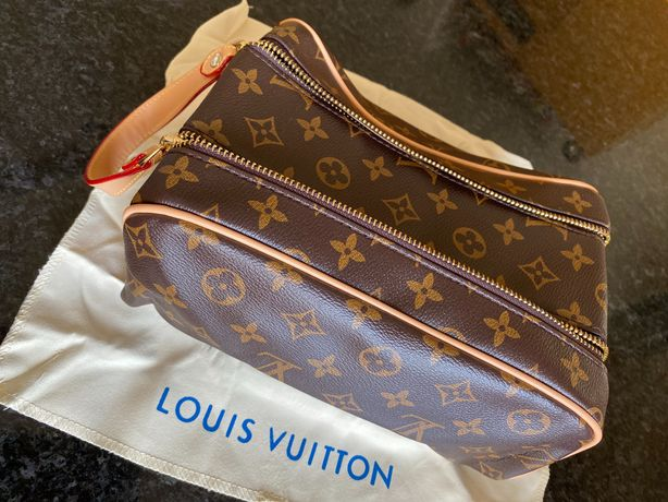 Necessaire de Viagem Louis Vuitton Grande