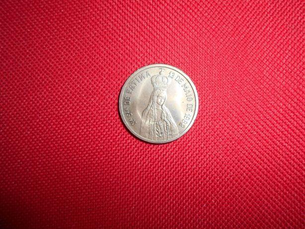 Medalha evocativa do 13 maio 1982 com a efígie do Papa João Paulo II.