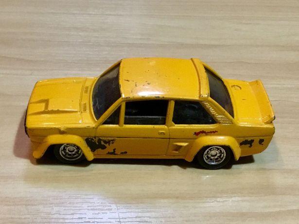Miniatura Luso Toys Fiat 131 Abarth escala 1/43