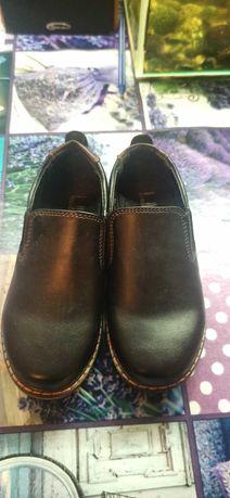 ПРОДАМ Детские туфли 27 размера