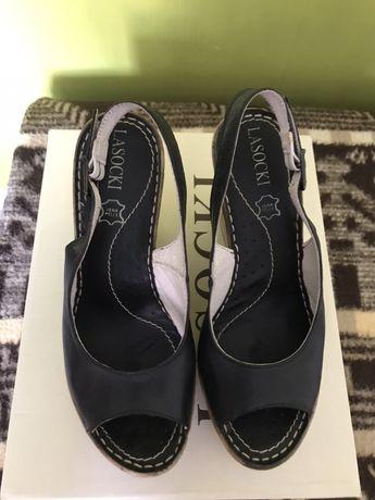 Sandal czarny Lasocki