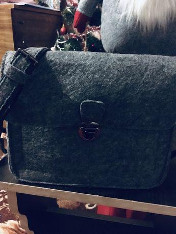 Фетровая женская сумка кроссбоди