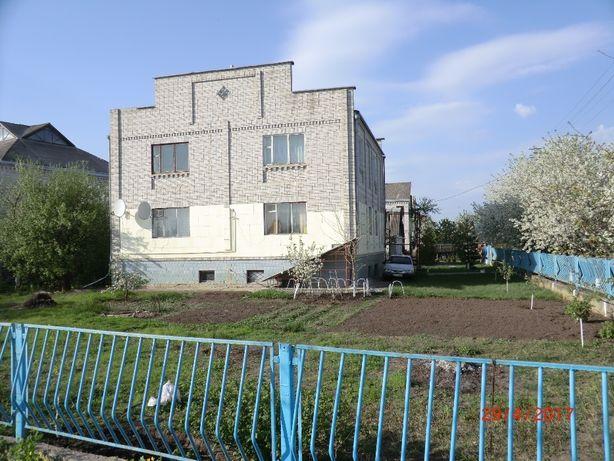Дом г. Переяслав-Хмельницький , в Киев. обл,- 370кв.м. 48000$