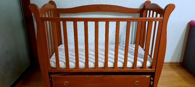 Детская кроватка + матрас со сьемным чехлом