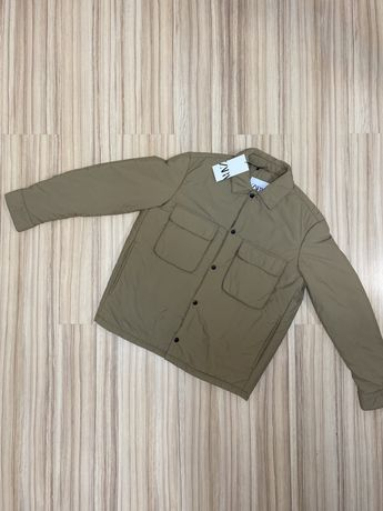 Мужская куртка Zara бежевого цвета