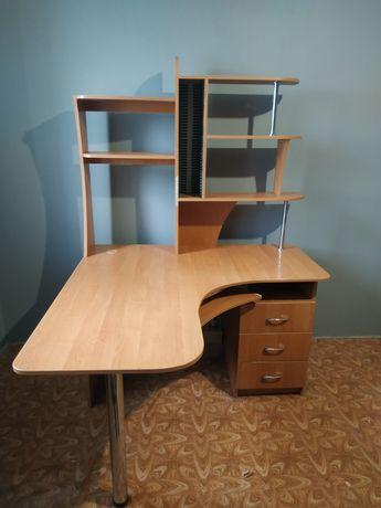 Стол угловой письменный/компьютерный