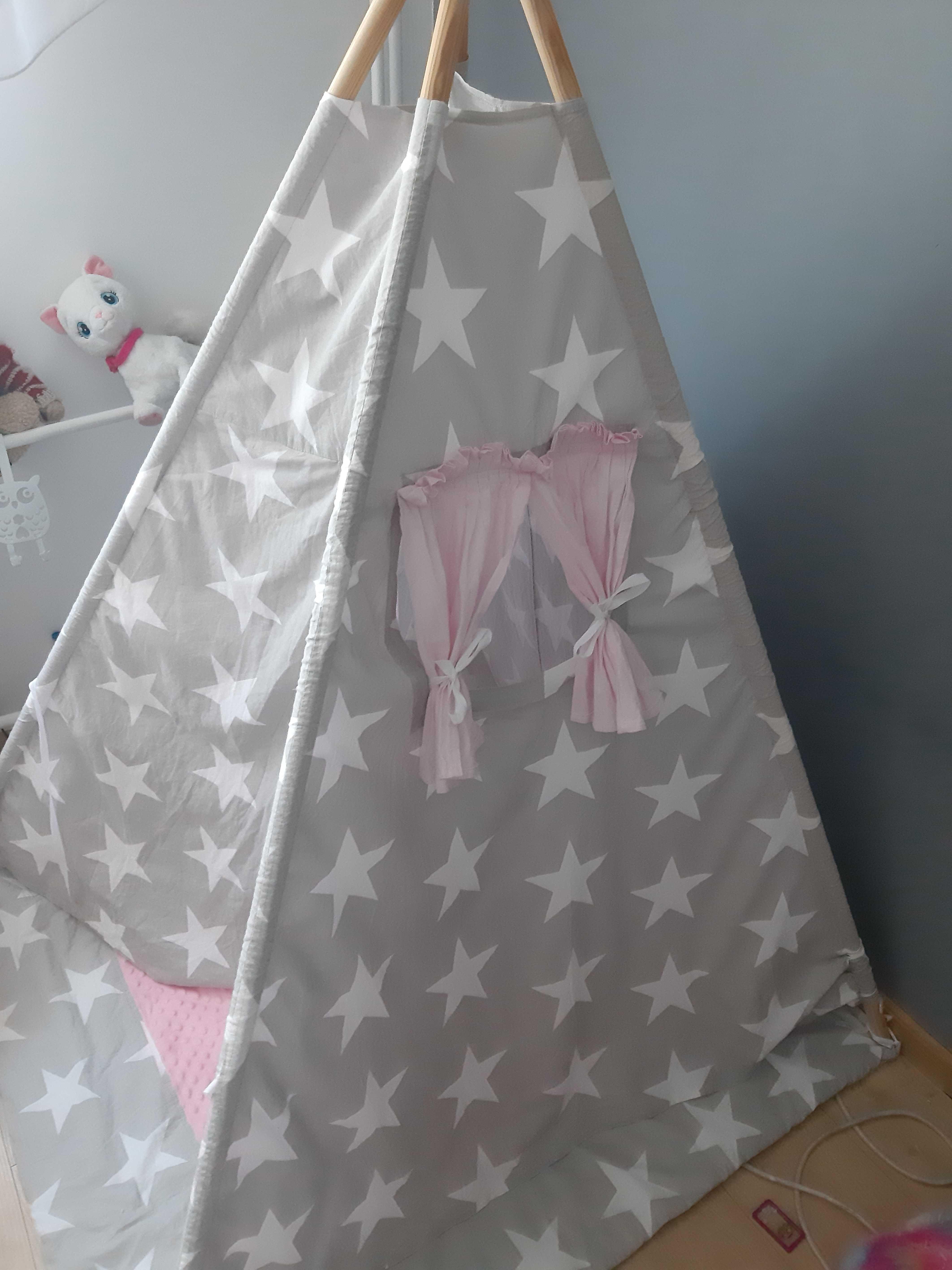 Słodki tipi/namiot różowo-szary w gwiazdki