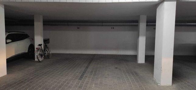 Garaż / miejsce postojowe w hali garażowej ul. Wyki 28 B, C, D