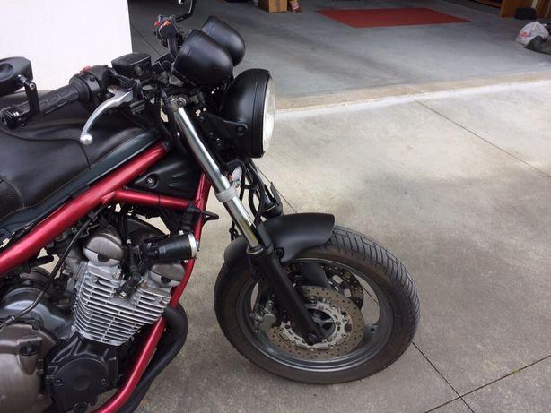 Yamaha XJ600 Naked de 99