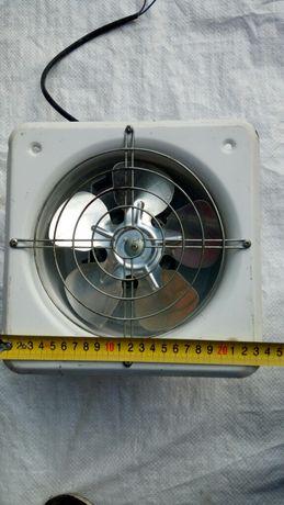 Вытяжной вентилятор 180 мм