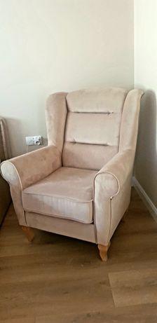 Nowy piekny fotel uszak uszatek
