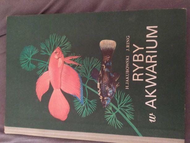 Książka ,,ryby w akwarium''