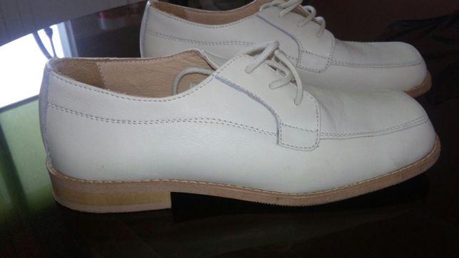 Sapatos de comunhao