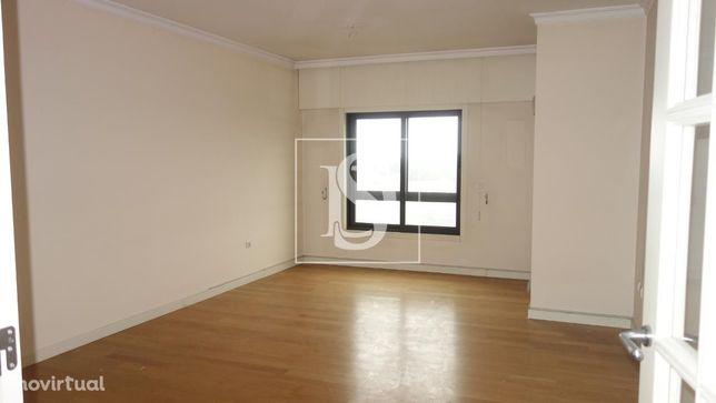 Apartamento T2 Avenida da Boavista