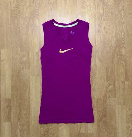 Nike спортивная майка с золотым логотипом