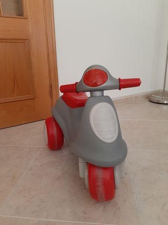 Mota triciclo da Chicco