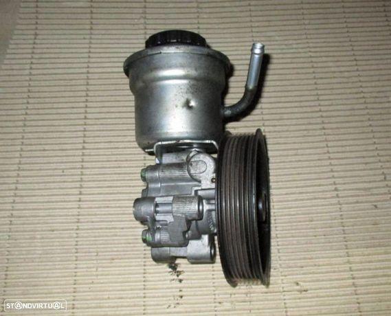 Bomba de direção assistida para Toyota Avensis 2.2 d4d T25 (2006)