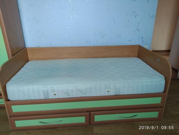 Кровать, матрац продан