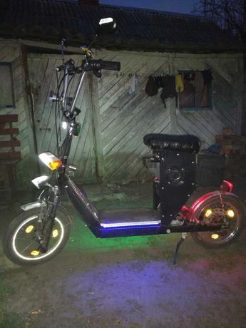 Электросамокат или скутер