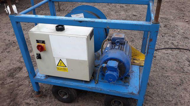 Falownik z szafą sterowniczą i silnikiem 7,5 KW na wózku