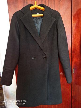 Пальто кашемировое в отличном состоянии