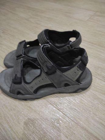 Взуття для підлітка