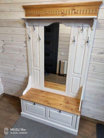 Деревянная белая прихожая мебель Хельсинки