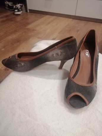 Buty damskie na obcasiku