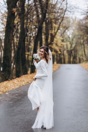 Дизайнерська весільна сукня Nevista