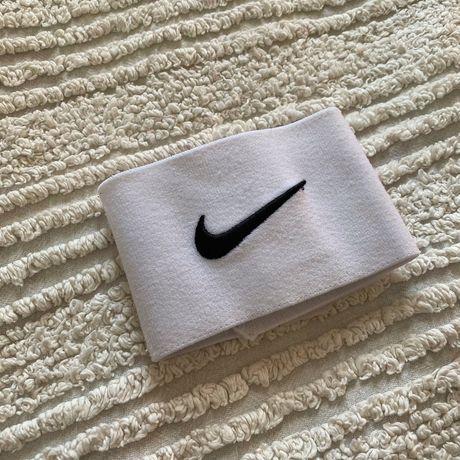 Напульсник Nike