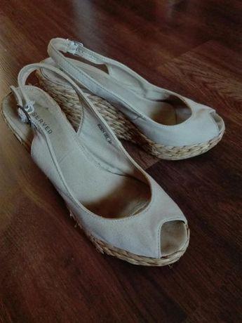 Reserved sandałki koturny